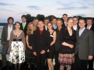 Das Gruppenfoto am See - schön, gell