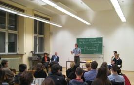 Streitkultur veranstaltet Professoren-Studenten-Duell zum Dies